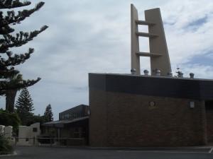 Die NG Kerk se groen vingers loop deur onder lang vingers.