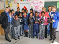 Vaatjie learners with Nora Grose,Nilly Baruch, Liza Adlem and Denise Robinson. Photos: Marnette Meyer