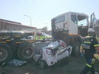 The truck that drove over the car in Atlantis. Photo: ER24